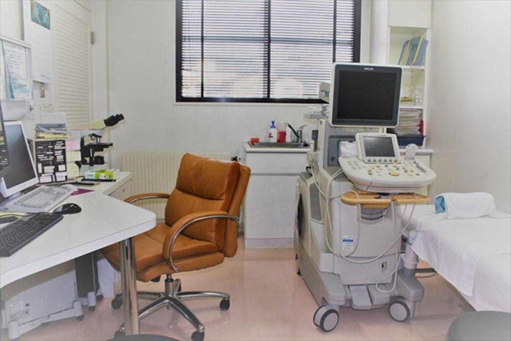 診察室 超音波検査装置(2)